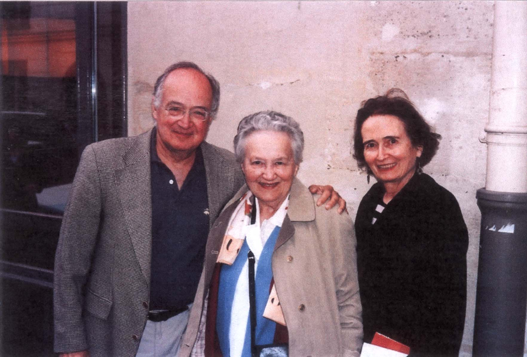 Yvonne Feraud with the rescued Jean-Claude and Denise . 21.05.2005