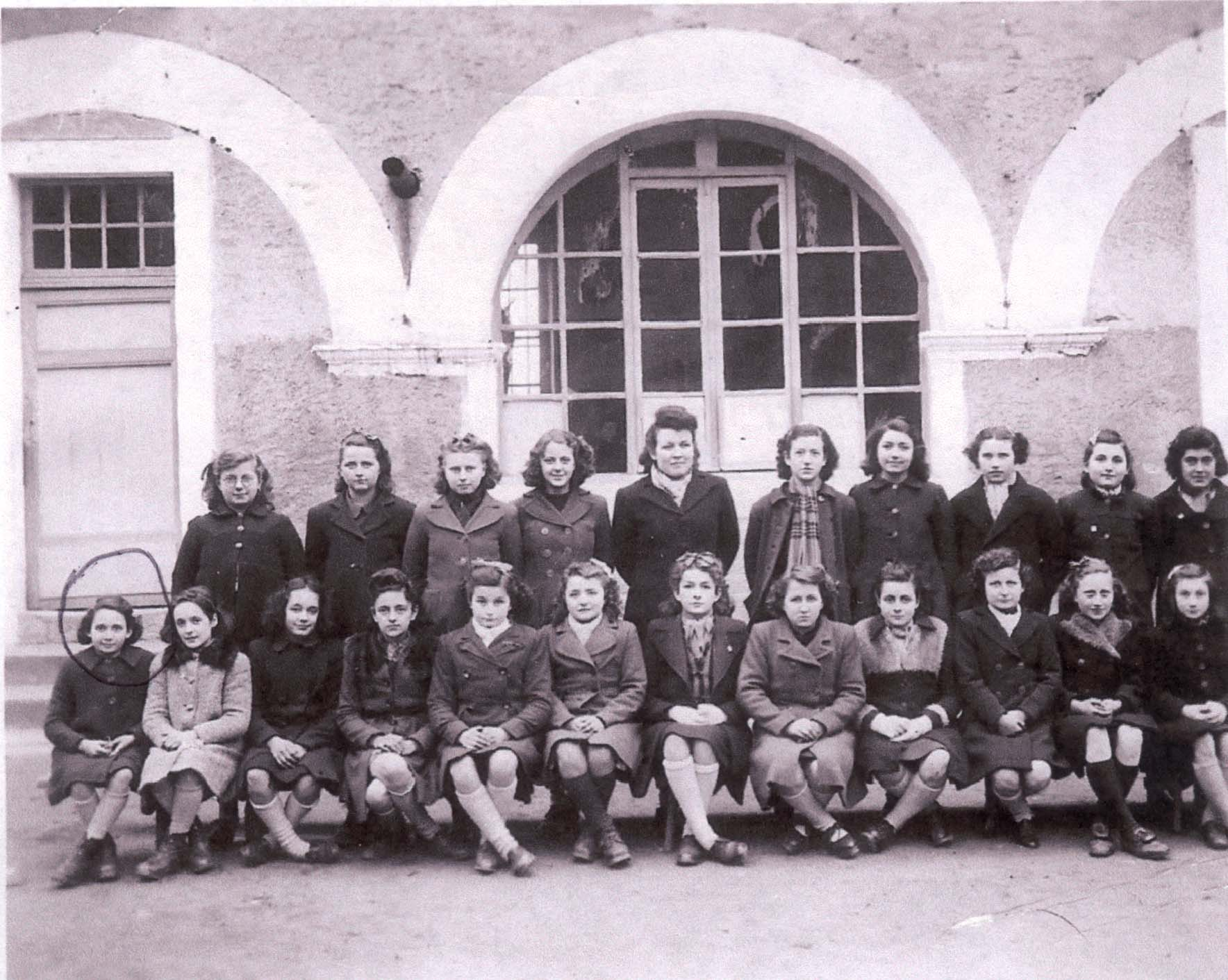 Denise Bystryn (on the left) at St. Jeanne-d'Arc. 1943