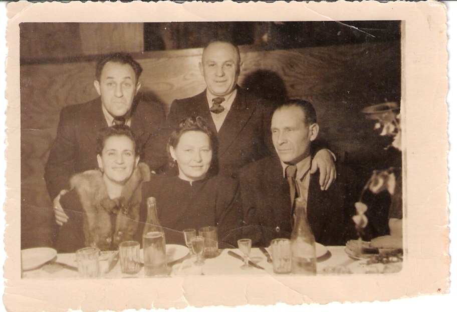 Sitting from right: Janis Lipke, his wife Johanna, Haya Oginets. Standing from right: Haim Smolyansky & his brother Moshe Smolyansky. Riga. The first after-war years