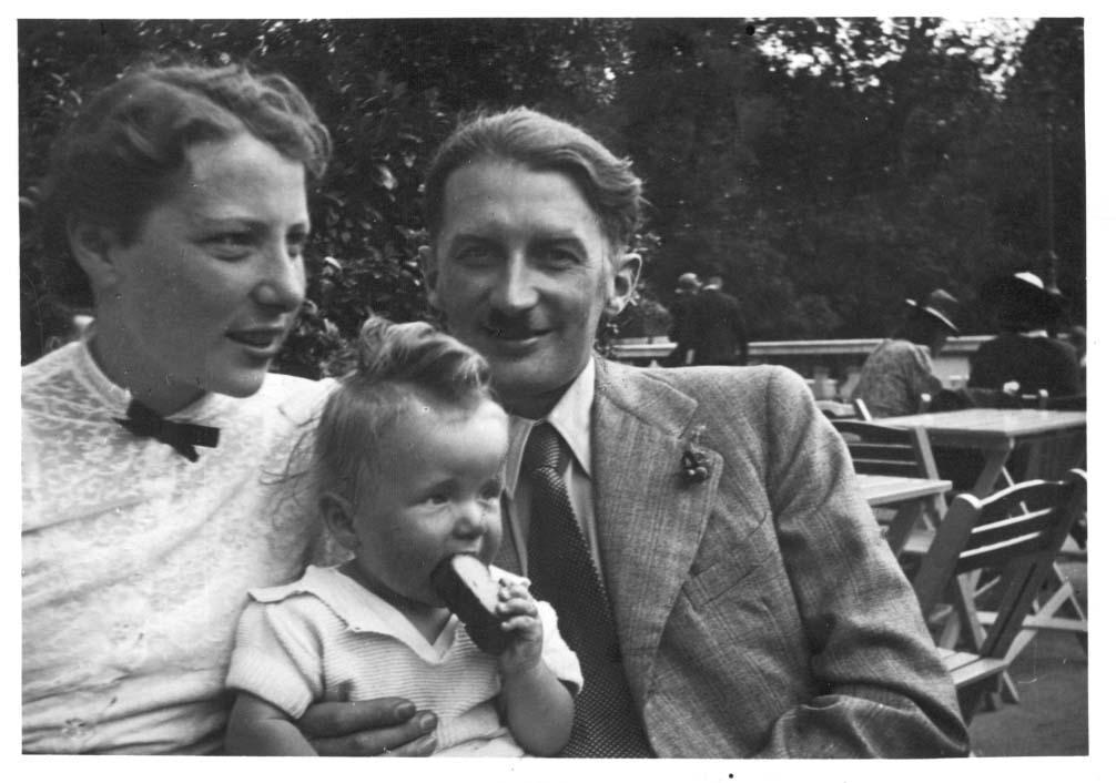 Dr. Artur and Maria Lanc with their daughter Eva