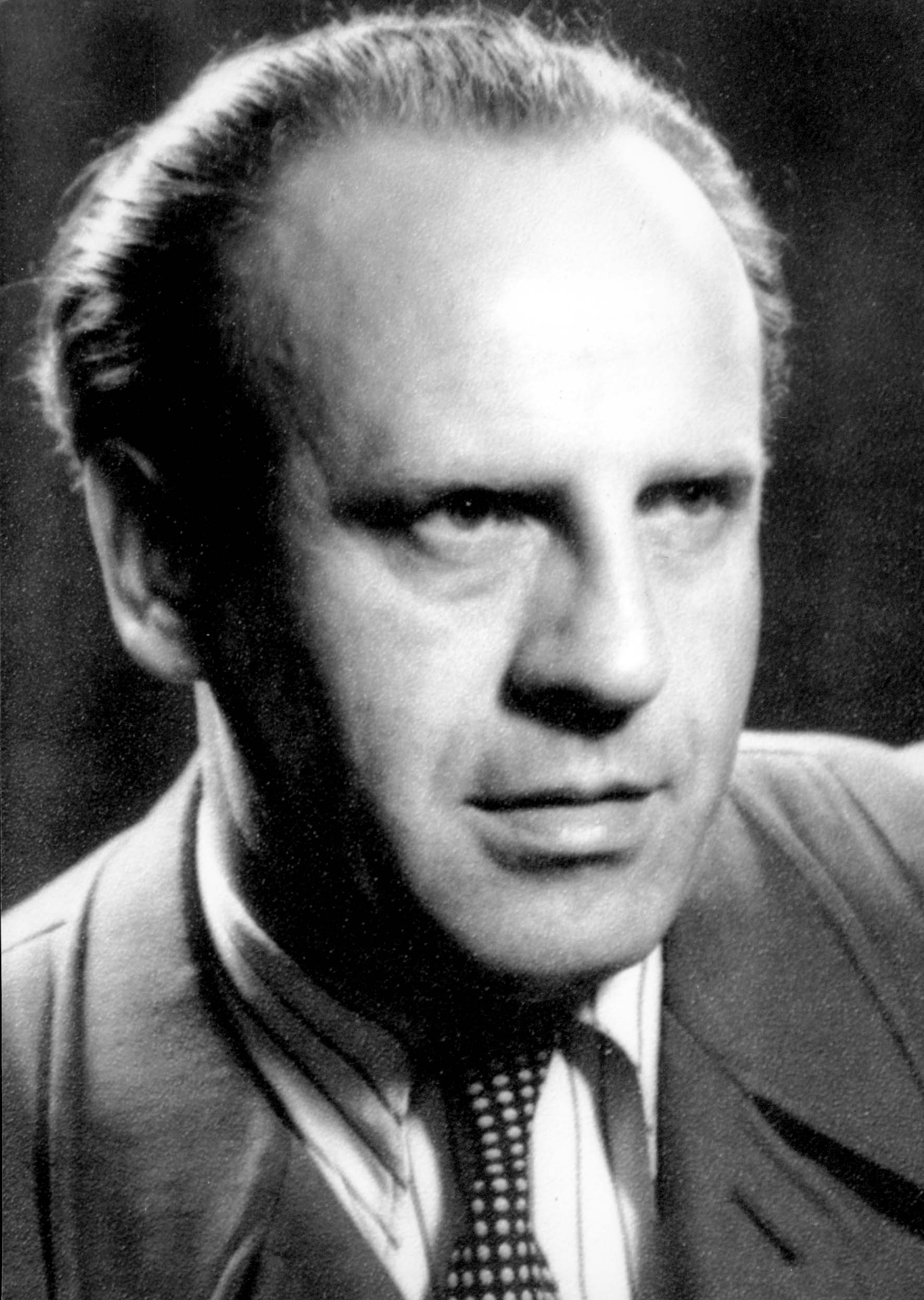oscar schindler Oskar schindler was born in 1908 in the industrial city of zwittau, moravia, then a german province of the austro-hungarian empire and now part of the czech republic the region where oskar grew up and attended a german-language school was also known as the sudetenland.