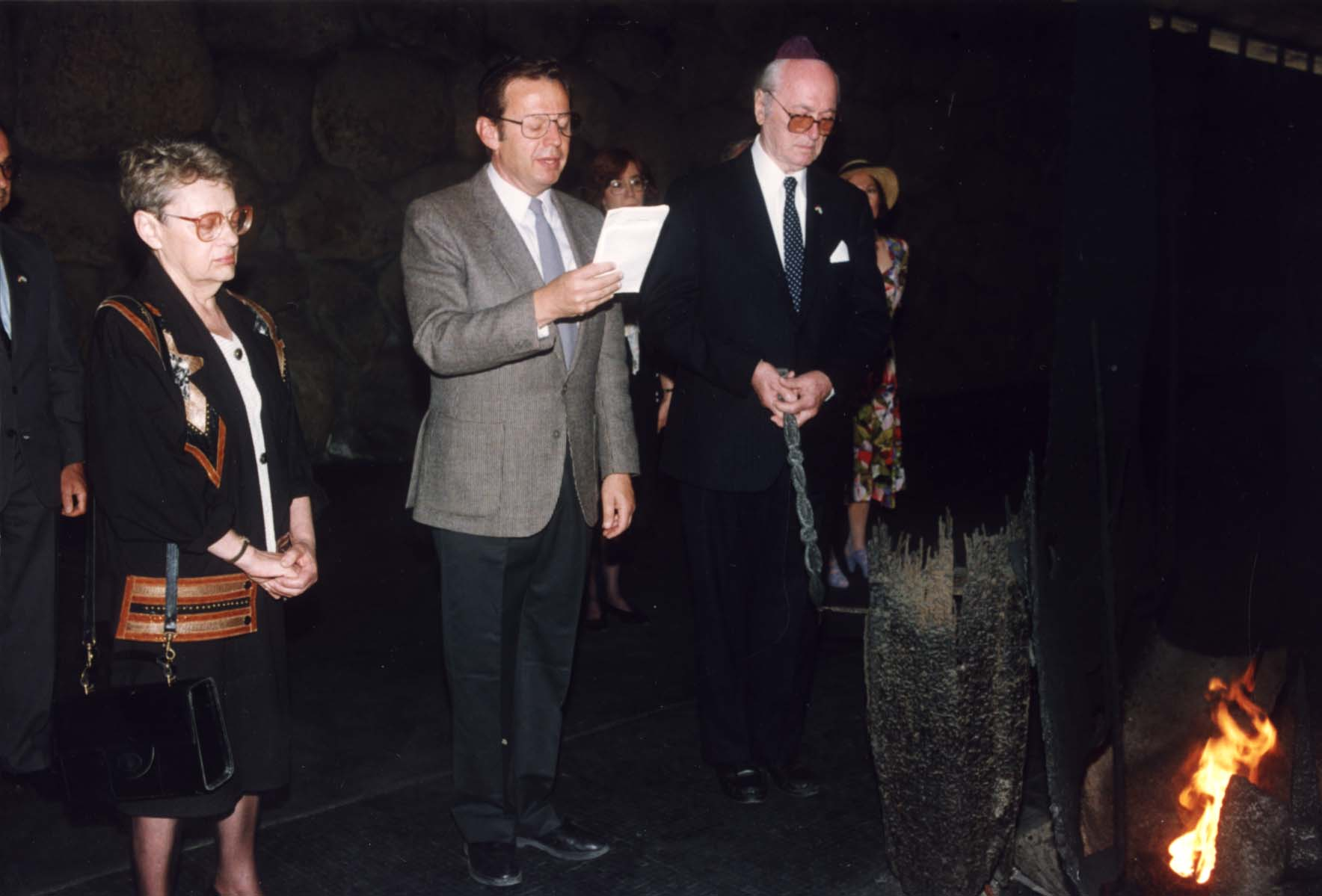 Ceremony in the Hall of Remebrance in honor of Bela Kiraly. Yad Vashem, 10.05.1993